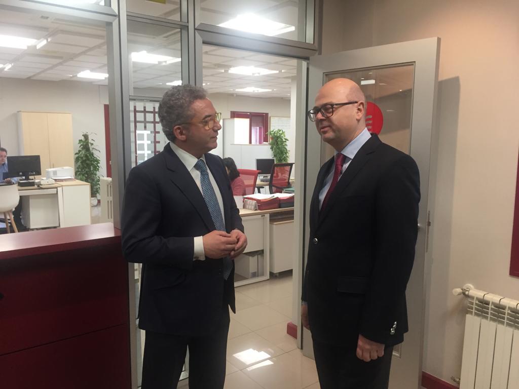 El Embajador de Turquía Cihad Erginay visita al presidente de la Cámara pedro Palomo